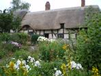 Anne Hathaways Cottage.  Home of William Shakespeare`s wife. The Hathaways  family home for 400 yrs.