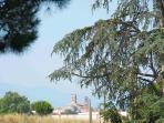 vue sur le cloître de Elne depuis l'entrée