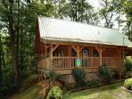 Semi-Private 2 bedroom pet friendly cabin,6 miles to downtown Pigeon Forge TN