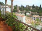 Vistas al Albaycín, palacios árabes, Sierra nevada y Granada