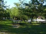 jeux dans le parc, manège en bois, Villa Victoria à Gréasque