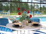 Alfresco dining on the pool deck