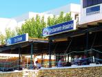 The beach bar is an ideal place to enjoy lunch, evening dinner or a cool drink / ice-cream