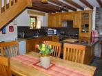 Well equipped kitchen/dining area in Barn cottage