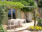 Terrace from studio 'Plein Soleil' in guesthouse Aux Merveilleux - Grimaud