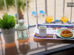 Desayunar en la terraza...todo un lujo