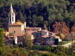 Surrounded by picturesque, medieval villages. St Marti Vell, a 2 minute walk.