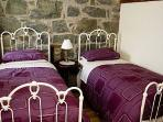 Twin bedroom in this 5 star cottage