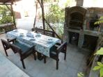 Alfresco Dining area with BBQ & Pizza Oven
