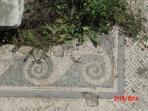 Particolare dei tanti elementi architettonici presenti all'interno delle rovine