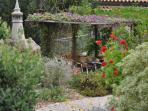 Garden & BBQ area
