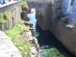 dintorni(porto romano a castro 20km)