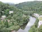 The River Wye winds its way through Symonds Yat gorge and village, dividing it into East and West