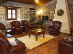 another comfy nook with leather sofas