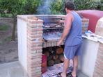 Ospite all'opera al barbecue