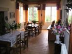 Spacious & nice luminous Dining room
