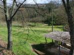 il giardino privato con gazebo per pranzi e momenti di relax