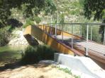 Bridge over the Turia river, at the Chulilla Spa area