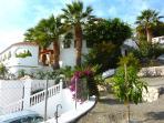 Villa Tranquila, Majestic Luxury villa, horsemen