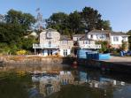 Historic holiday house, on our private quay. We offer you kayaks, motor, sailing and rowing boats.