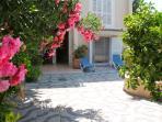 Entrance private garden