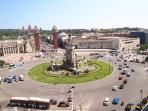 Plaza España (5 min walk)