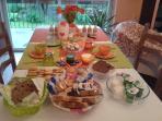 le nostre colazioni con prodotti fatti in casa, marmellate, pane ,torte,biscotti yogurt ecc..