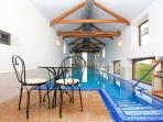 Barn converted to home infinity Fantastic swimming pool!