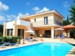 PRESTIGIOUS Villa 4 bedrm - Large Pool - Privacy