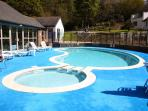 Outdoor Swimming Pool and Restaurant