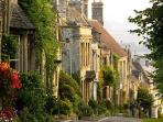 Nearby Burford is renowned for its ancient architectural treasures, some date from the 15th Century