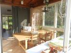 Area pranzo nella luminosissima cucina