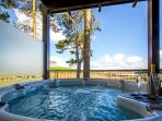 Hot tub with view over Loch Kinardochy