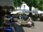 Piazza in Stresa (15 min walk or 2 min bus drive)
