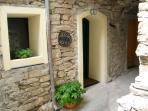 Via Gaudio, a typical medieval alley