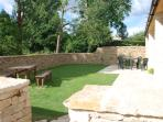 Enclosed sunny  garden, ideal for  young children .