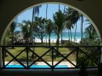 Splendid open view on the blue Indian Ocean from master bedroom!