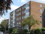 Stratton Apartment Nr Kingston sleeps 4/6