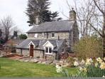 detached cottage, hot tub, large private garden