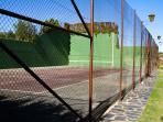 tenis y fronton