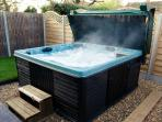 SpaForm Elite7 hot tub 7 seat - all muscle aches will disappear & sleep therapy pays dividends
