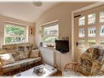 Sunny Garden Room with own SKY Freesat TV