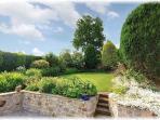 Stunning Ivy Cottage Gardens