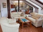 Di8ning+living room