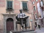 The Puccini statue in Lucca