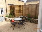 Garden / Yard - with bistro table and chairs