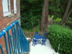 Terrasse au bord du bief