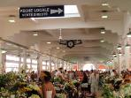 Marché Forville : fresh flowers and food daily. A must visit.