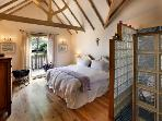 Master Bedroom (Stable Cottage)