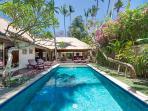 4 bedrooms villa SEMINYAK Jalan Plawa 5 min beach